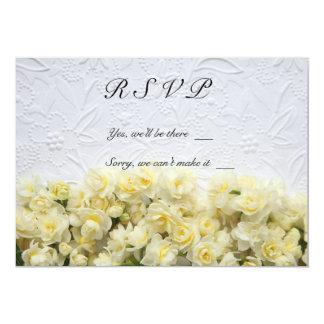 fundo gravado branco com o cartão do narciso RSVP Convites Personalizado
