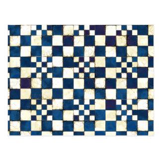 Fundo rachado azul e branco da textura do azulejo cartão postal