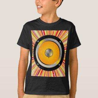 Fundo retro do auto-falante camisetas