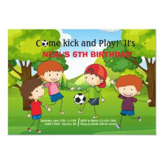 Futebol no convite do parque