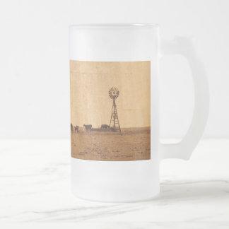 Gado na caneca do fosco do moinho de vento
