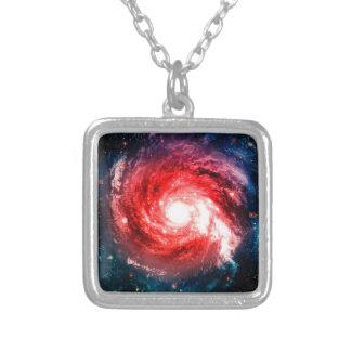 Galáxia espiral colar banhado a prata