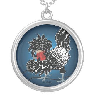 Galinha com crista polonesa de balanço colar com pendente redondo