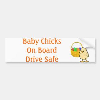 Galinha da páscoa dos pintinhos do bebê a bordo adesivo para carro