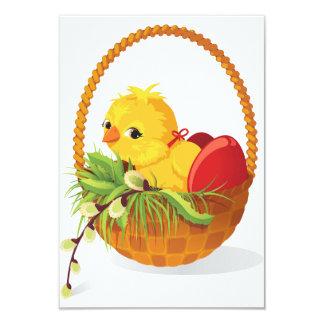Galinha e ovos em convites da cesta