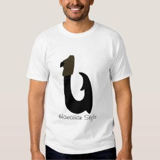 Gancho de peixes preto, camisa havaiana do estilo camiseta