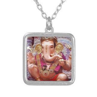 Ganesh (गणेश) - deidade do elefante indiano colar com pendente quadrado