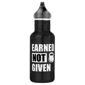 Ganhado para não dar a garrafa de água da malhação