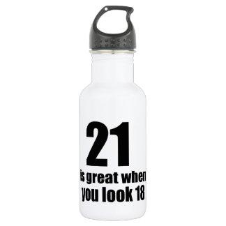 Garrafa D'água 21 é grande quando você olha o aniversário