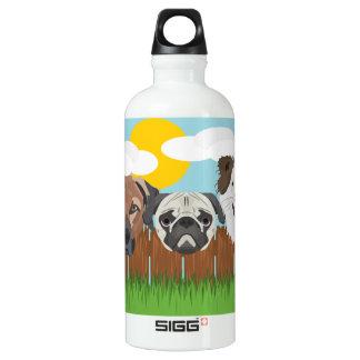 Garrafa D'água Cães afortunados da ilustração em uma cerca de