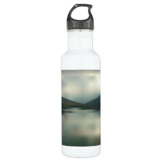 Garrafa D'água Lago nas montanhas