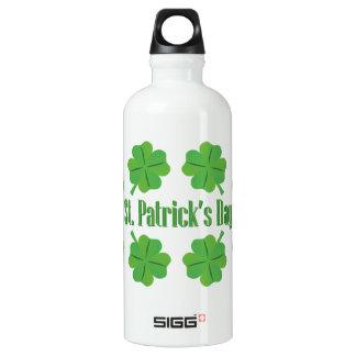 Garrafa D'água O dia de St Patrick com trevo