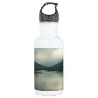 Garrafa De Aço Inoxidável Lago nas montanhas