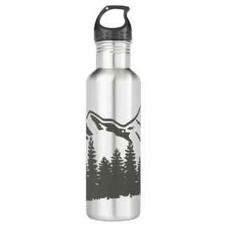 Garrafa de água da floresta e das montanhas