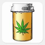 garrafa de comprimido médica dos verdes adesivo quadrado