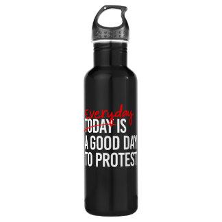 Garrafa Diário é um bom dia para protestar - os direitos