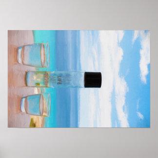 Garrafa fria da água e dos vidros poster