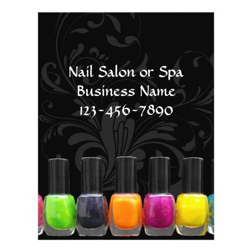 Garrafas coloridas do verniz para as unhas, salão panfletos personalizados
