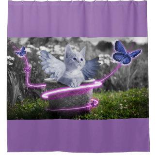 Gatinho bonito com borboletas & as asas azuis do cortina para box