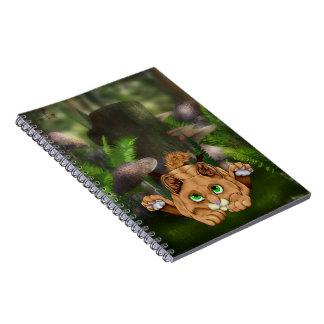 Gatinho bonito do lince cadernos