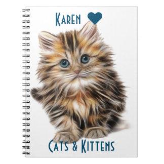 Gatinho macio bonito com olhos azuis cadernos espiral