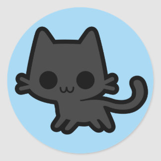 Gatinho preto bonito no azul adesivo em formato redondo