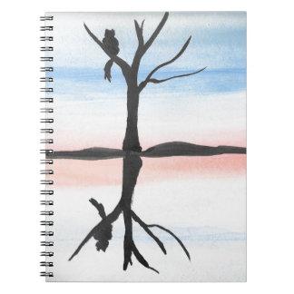 Gatinho refletido cadernos espiral
