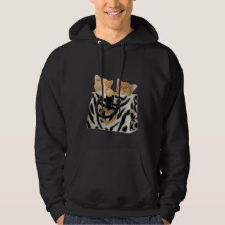 Gatinhos bonitos na bolsa do impressão da zebra moleton com capuz