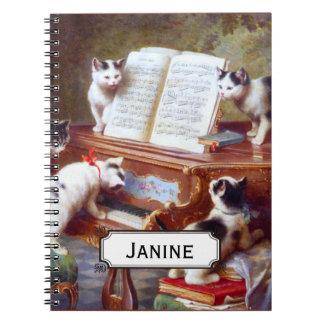 Gatinhos nas chaves caderno