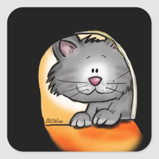 Gato bonito que olha em um furo do rato adesivo quadrado