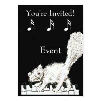 Gato branco em chaves do piano convite 12.7 x 17.78cm