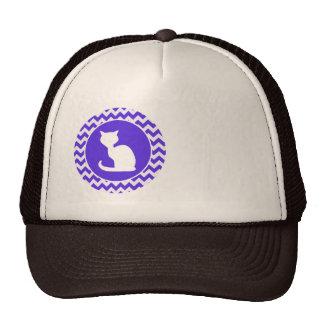 Gato branco em Chevron violeta azul Boné
