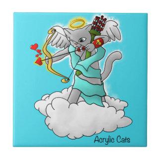 Gato cinzento do Cupido de Smokey do dia dos
