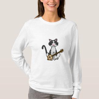 Gato CO que joga a camisa do banjo