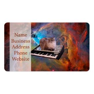 Gato em um teclado no espaço cartão de visita