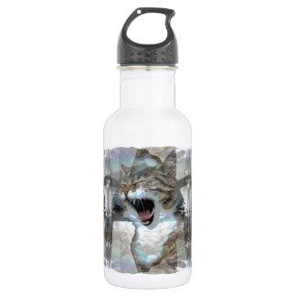 Gato Mouthy na garrafa de água