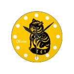 Gato personalizado do amarelo da mostarda Pulso de Relógios Para Pendurar