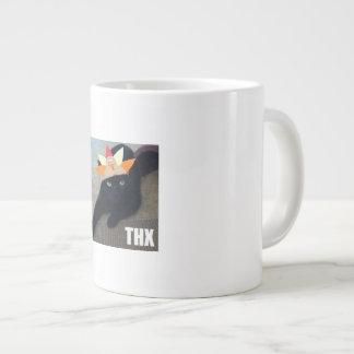 Gato preto branco da caneca enorme