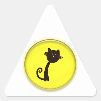 Gato preto dos desenhos animados bonitos adesivos em forma de triângulo