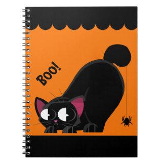 Gato preto e aranha do Dia das Bruxas Cadernos