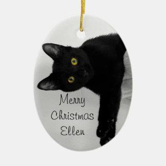 Gato preto que relaxa e refrigerado para fora ornamento de cerâmica