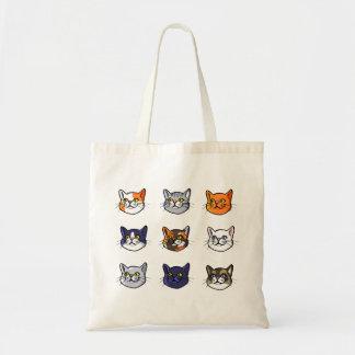 Gato que tira a sacola diferente do orçamento de sacola tote budget