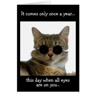 Gato que veste óculos de sol cartão comemorativo