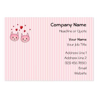 Gatos cor-de-rosa bonitos, com corações vermelhos  modelo de cartões de visita