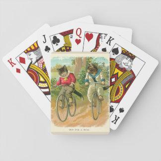Gatos do vintage em bicicletas jogo de baralho
