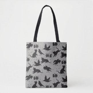 Gatos e corvos pretos e o bolsa cinzento