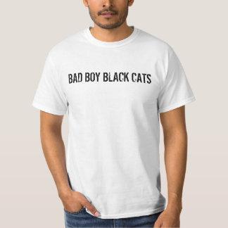 Gatos pretos do menino mau t-shirt