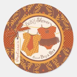 Gêmeos do chá de fraldas do laço e do tutu e do adesivos em formato redondos