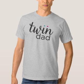 Gêmeos gêmeos da menina do menino do pai camisetas