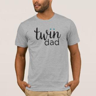 Gêmeos gêmeos do menino do pai camiseta